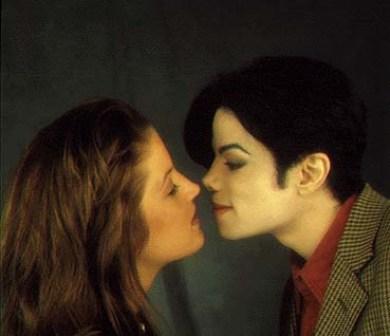 jackson & Lisa Kiss.jpg