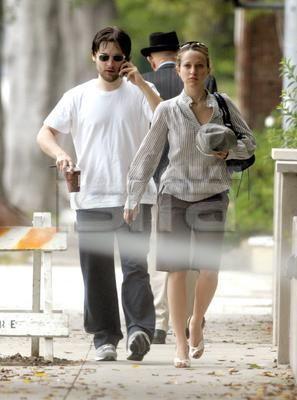 Tobey Maguire Engaged Jennifer Meyer.jpg