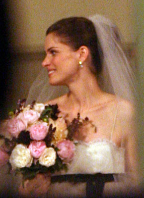 amanda-peet-wedding-10-3-2006.jpg