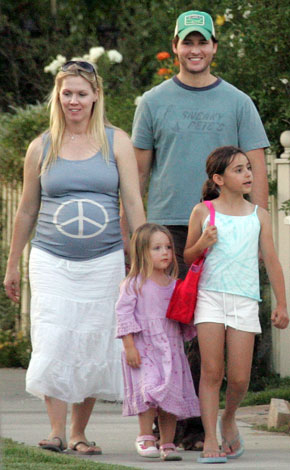 jennie-garth-family-10-3-2006.jpg