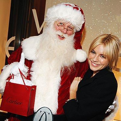 sienna-miller-santa-clause-11-13-2006.jpg