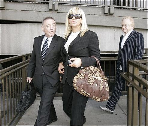 courtney-love-probation-ends-12-12-06.jpg