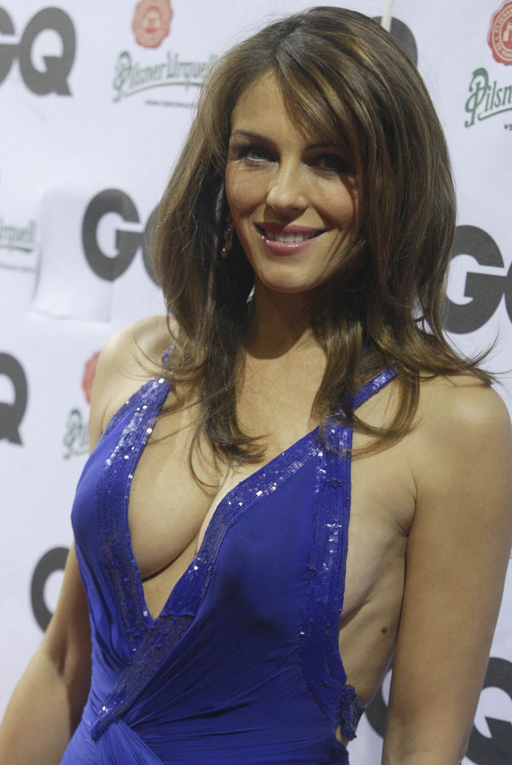 elizabeth-hurley-real-or-not-12-7-2006.jpg