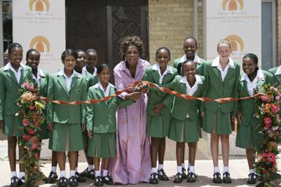 oprah-winfrey-school-opens-1-3-07.jpg