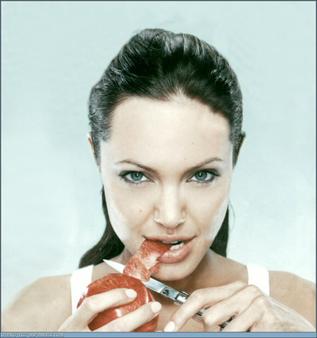 angelina-jolie-knife-sex-4-19-07.jpg