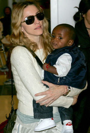 madonna-david-banda-disses-dad-4-23-07.jpg