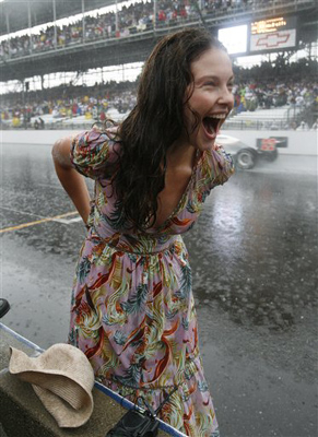 ashley-judd-indy-500-5-29-07.jpg