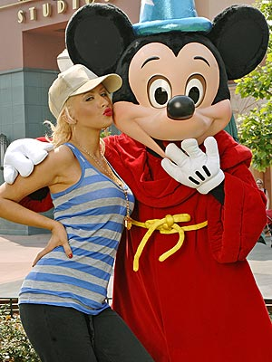 christina-mickey-mouse-5-4-07.jpg