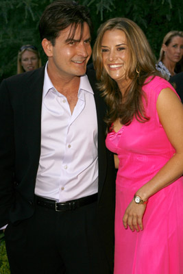 charlie-sheen-engaged-brooke-7-11-07.jpg
