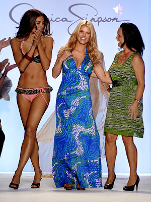 jessica-simpson-swimsuit-debut-7-16-07.jpg