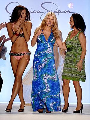 jessica-simpson-swimsuit-debut-7-16-07.jpg