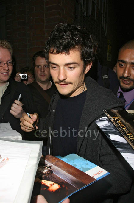 orlando-bloom-poll-7-5-07.jpg