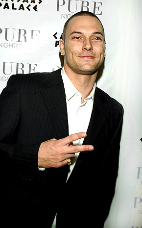 kevin-federline-poll-8-21-07.jpg