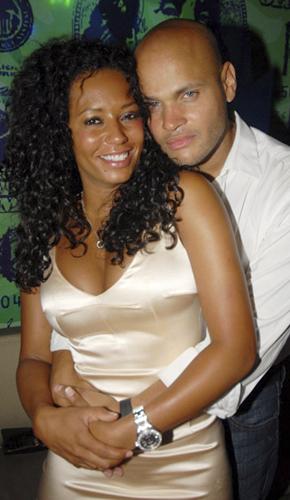 spice-brown-marries-8-9-07.jpg