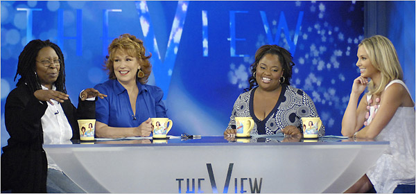 whoopi-goldberg-view-host-8-2-07.jpg