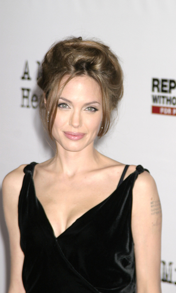 angelina-jolie-number-9-19-07.jpg