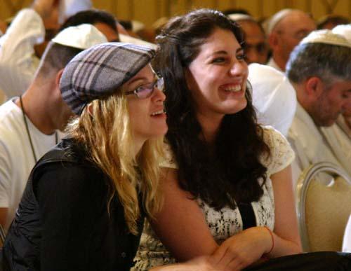 madonna-jewish-holidays-9-13-07.jpg