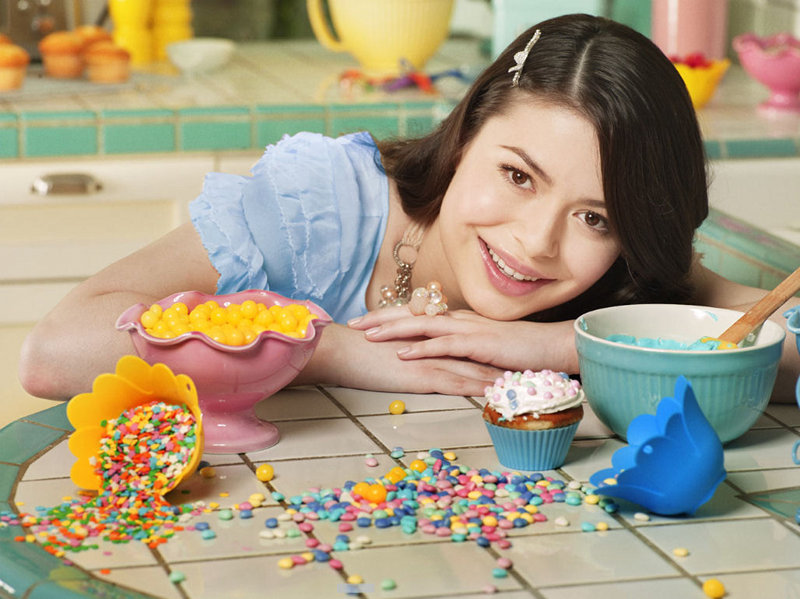 Miranda Cosgrove creeps me out today