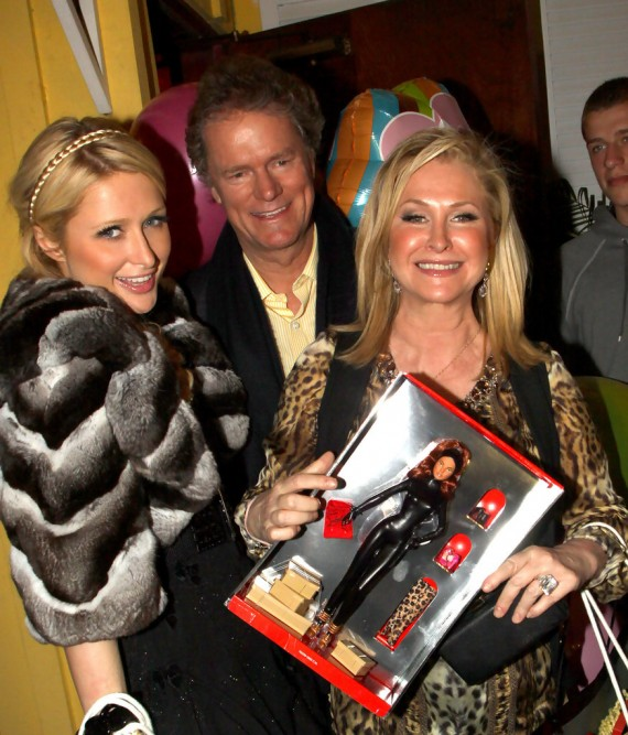 Kathy Hilton at Dan Tana's (2)