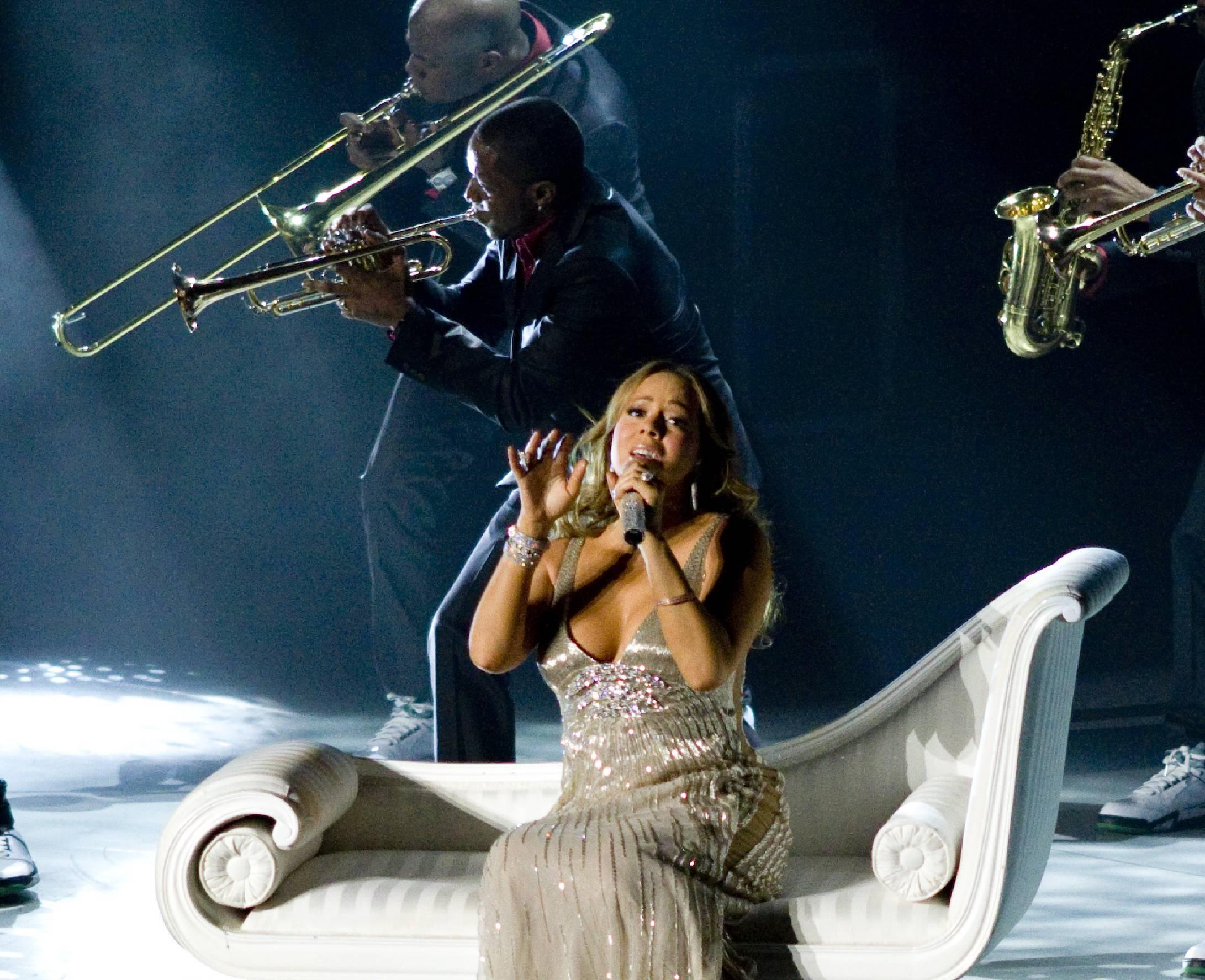Mariah Loves Those Angels