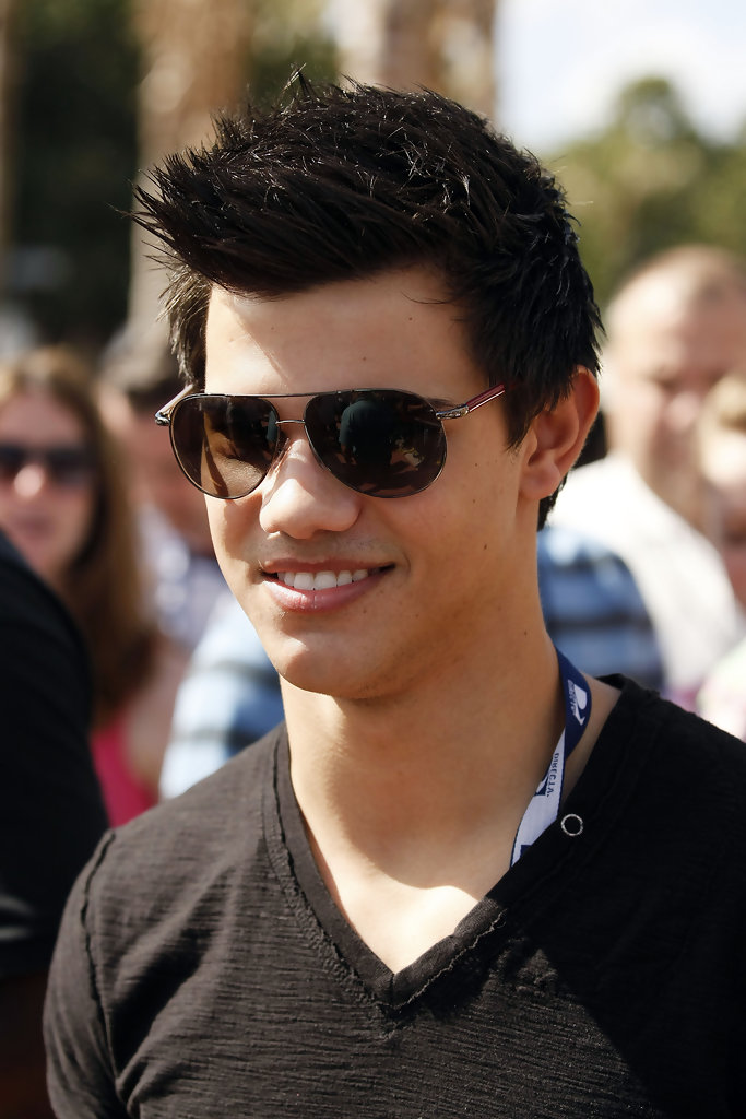 Taylor Lautner: 18 and Legal