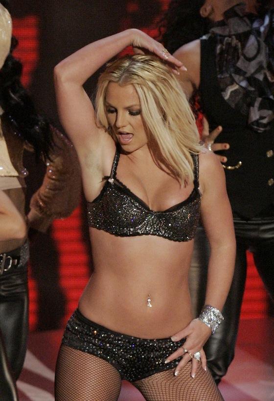 Britney Spears Now Queen of Twitter