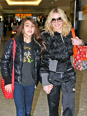 Madonna and Daughter Lourdes - Shopping