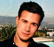 Freddie Prinze Jr Closeup