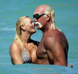 Hulk Hogan and Girlfriend On Beach