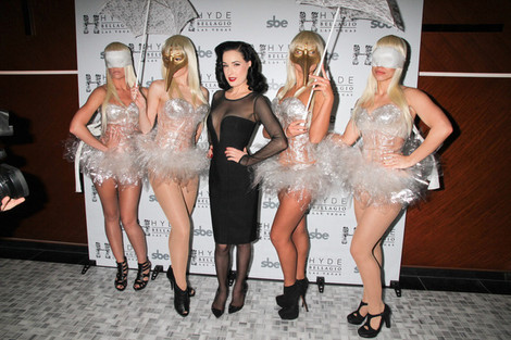 Featured image for Burlesque Queen Dita von Teese shines in Las Vegas