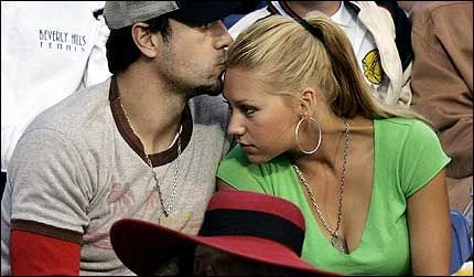 Featured image for Enrique Iglesias & Anna Kournikova : Will they ever tie the knot?