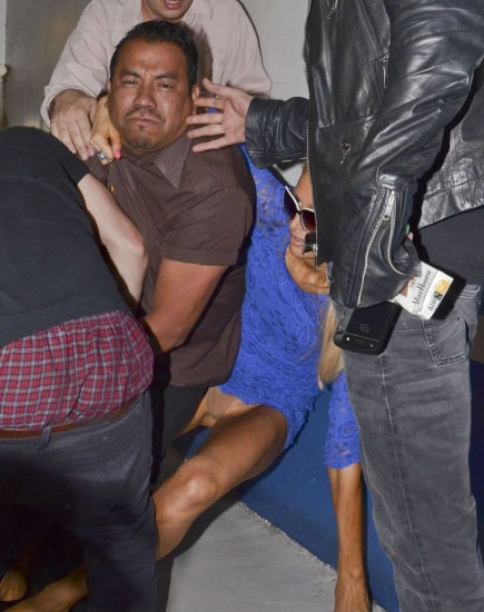Featured image for Paris Hilton's Parking Lot Smackdown with Paparazzi