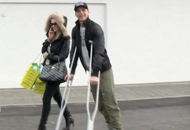 ParisHilton_Boyfriend_Injured