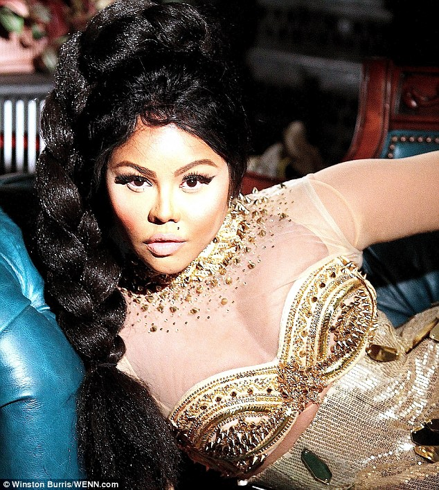 lil_kim_musicvideo