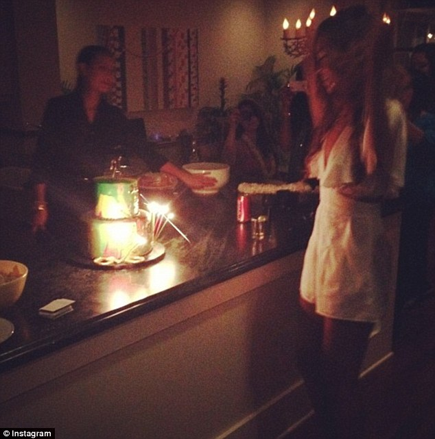 rihanna_chris_brown_birthday_pics