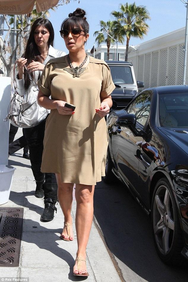 kim_kardashian_preggy_bump