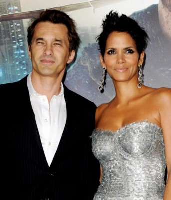 Pregnant and Diabetic: Halle Berry Wows in Brazil