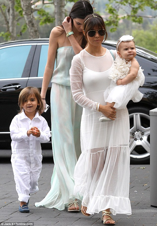 kardashian_easter_party