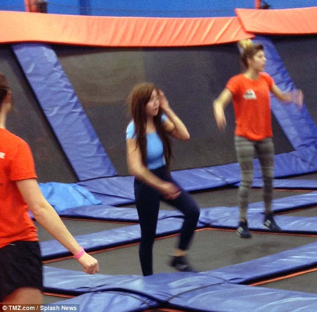 Amanda Bynes Sobers Up and Goes Jumping on Trampoline