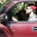 Robert Pattinson Hauls his Dogs and Stuff Out of Kristen Stewart's Mansion