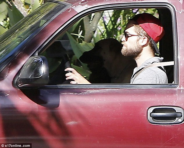 Robert Pattinson moves out