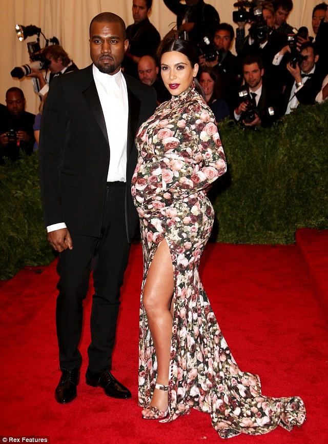 kim_kardashian_floral_dress