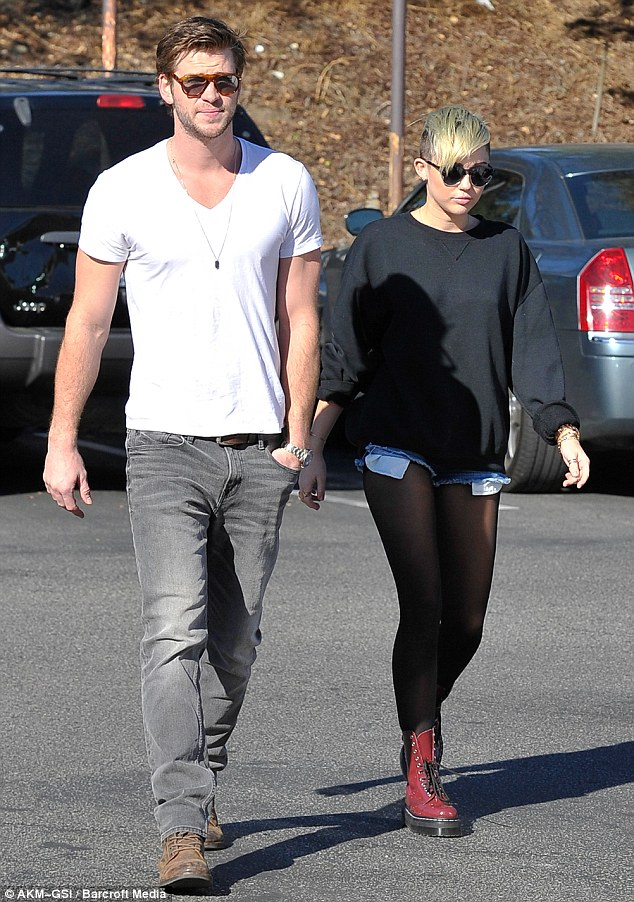 Featured image for Miley Cyrus Tweets Wedding Snap Amidst Breakup Rumors