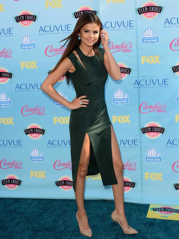 Selena Gomez is the 2013 TCA's Choice Hottie, for a reason. (Getty)