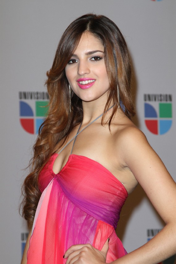 Eiza Gonzalez, the next unsuspecting lady in Liam Hemsworth's list. (Univision)