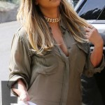 Kim Kardashian Goes Blond!