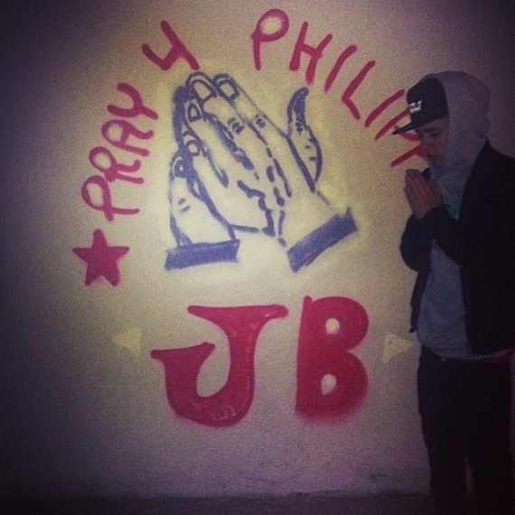 Justin Bieber prays for the Philippines. (Instagram)
