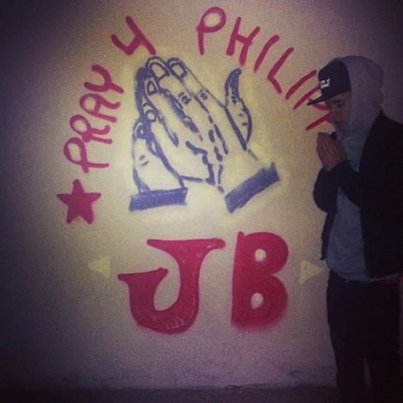 Justin Bieber prays for the Philippines. (Instagram)