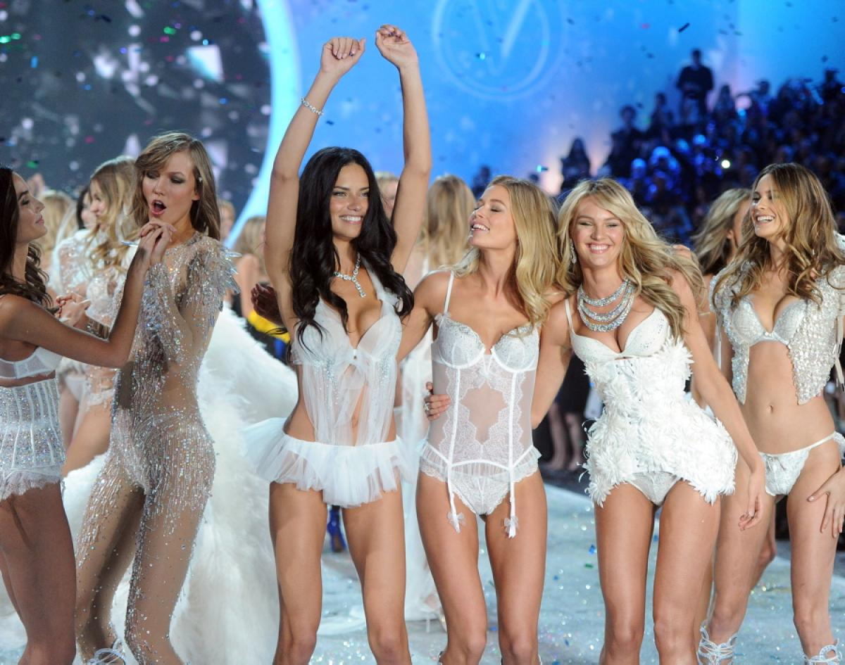The Victoria's Secret Fashion Show 2013: PHOTOS + HIGHLIGHTS!