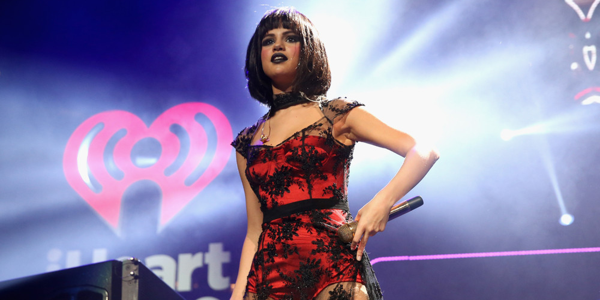Selena Gomez Curses, Walks Out During A Concert!